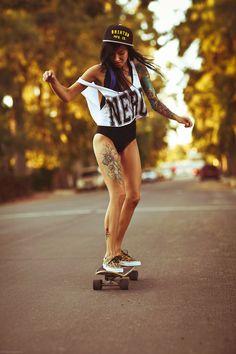 Psychedelic Skater Fashion : female skater
