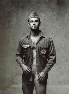 what a cutie… Cool Vintage, Vintage Photos, Gay Marines, Branson Shows, Men Are Men, Cute Gay Couples, Old Images, Mens Gear, Male Figure
