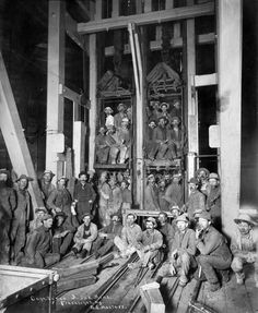 1890 - Miners in Ajax Mine in Cripple Creek. Antique Photos, Old Photos, Vintage Photos, Us History, American History, Cripple Creek Colorado, Colorado Springs, American Frontier, Coal Mining