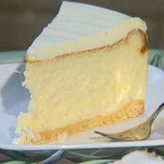 קרין גורן מתכוננת לשבועות עם עוגת גבינה משודרגת: מראה של קונדיטוריה בעזרת מגן סיליקון פשוט. אתם לגמרי יכולים לעשות את זה