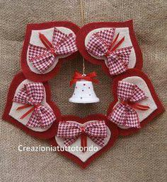 felt hearts for Christmas Valentine Crafts, Christmas Projects, Felt Crafts, Holiday Crafts, Diy And Crafts, Valentines, Christmas Sewing, Handmade Christmas, Christmas Makes