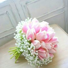 Pretty in pink - love this sweet bouquet. - - Pretty in pink – love this sweet bouquet. FLORAL ARRANGEMENTS Pretty in pink – love this sweet bouquet. Bridal Flowers, Flower Bouquet Wedding, Beautiful Flowers, Beautiful Flower Arrangements, Floral Arrangements, Arte Floral, Bride Bouquets, Planting Flowers, Wedding Decorations