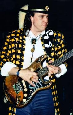 Stevie Ray Vaughan #Dallas, #Texas (October 3, 1954 – August 27, 1990). In spite of a short-lived mainstream career spanning seven years, #Vaughan is widely considered one of the most influential electric guitarists in the #history of #blues #music, and one of the most important figures in the revival of blues in the 1980s.#srv #dhs #bigtexasmusic #musichistory #stevierayvaughan