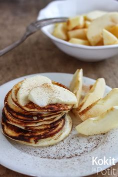 Proteiiniletut - High protein pancakes (in finnish) Healthy Treats, Healthy Recipes, High Protein Breakfast, Tasty, Yummy Food, I Foods, Food Inspiration, Food Porn, Brunch