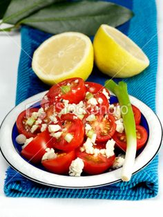This is one of my favourite salads. Crispy tomatoes with black pepper feta and vinaigrette dressing