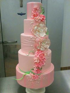 LOVE this cake! Pink Floral Cake by Gimme Some Sugar Vintage Lace Wedding cake Gorgeous Cakes, Pretty Cakes, Cute Cakes, Sweet Cakes, Bolo Floral, Floral Cake, Amazing Wedding Cakes, Amazing Cakes, Bolo Glamour