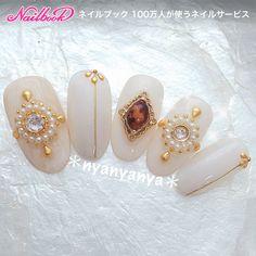 Nail Jewels, Nail Art Rhinestones, Rhinestone Nails, Prom Nails, Wedding Nails, Trendy Nails, Cute Nails, Asia Nails, Irridescent Nails