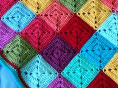 I wanna make a granny square blanket too!! :)