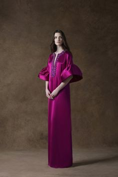 Andrew Gn Resort 2013 Fashion Show Abaya Fashion, Muslim Fashion, Couture Fashion, Fashion Outfits, Fashion Show, Denim Maxi Dress, African Maxi Dresses, Iranian Women Fashion, Muslim Dress