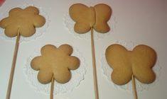 Τέλεια συνταγή για μπισκότα κανέλας! | ediva.gr Gingerbread Cookies, Sweet Recipes, Biscuits, Food And Drink, Sweets, Desserts, Anna, Gingerbread Cupcakes, Crack Crackers