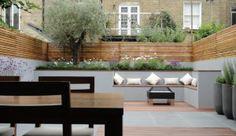 Small modern garden - built in seating Contemporary Garden Design, Small Garden Design, Outdoor Rooms, Outdoor Living, Garden Hedges, Narrow Garden, London Garden, Built In Seating, Outdoor Landscaping
