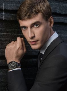 I can always appreciate an impressive timepiece such as this one from   hugoboss! The b76b5bdca34c