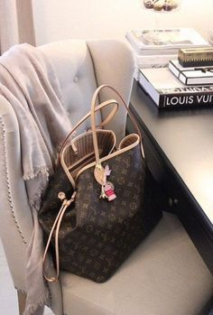 2015 Perfect Thanksgiving Outfits: Comfy and Cute New LV Collection For Louis Vuitton Handbags,Must have it! MoreNew LV Collection For Louis Vuitton Handbags,Must have it! Louis Vuitton Taschen, Louis Vuitton Monograme, Vuitton Bag, Louis Vuitton Handbags, Louis Vuitton Neverfull Monogram, Handbags Michael Kors, Purses And Handbags, Michael Kors Bag, Tote Handbags