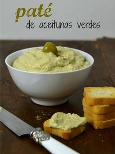 : Paté de aceitunas verdes // green olives cream Ingredientes 100 gr de aceitunas verdes sin hueso 4 filetes de anchoa 125 gr de queso crema Una cucharadita de zumo de limón 50 ml de aceite de oliva Raw Food Recipes, Veggie Recipes, Vegetarian Recipes, Cooking Recipes, Healthy Recipes, Mezze, Salty Snacks, Appetizer Dips, Chutney