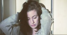 Você chama isso de amor? O choro engasgado, os disfarces em público para parecer bem. Você acha mesmo que isso é amor?