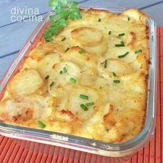 Cod and potatoes gratin Cuban Recipes, Portuguese Recipes, Fish Recipes, Seafood Recipes, Cooking Recipes, Healthy Recipes, Cuisine Diverse, Good Food, Yummy Food