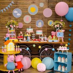 Best Party Birthday Peppa Pig 35 Ideas eppa This halloween is a much-loved pre-school occasion Pig Birthday Cakes, 3rd Birthday Parties, Birthday Party Decorations, 2nd Birthday, Peppa Pig Balloons, Fiestas Peppa Pig, George Pig Party, Pig Candy, Happy Party
