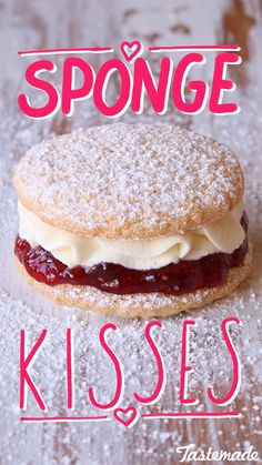 Sponge Kisses ~ Recipe - Small round discs of delicate sponge cake with jam and fresh cream in the centre and dusting of icin - Mini Cakes, Cupcake Cakes, Cookie Recipes, Dessert Recipes, Mini Pie Recipes, Ma Baker, Kisses Recipe, Delicious Desserts, Yummy Food