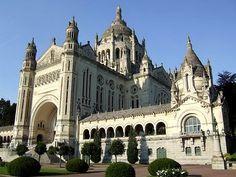 Sainte-Thérèse Basilica in Lisieux #France #basilica #beautifulplaces