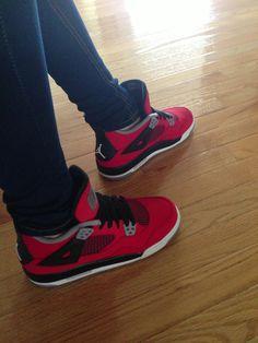 Jordan 4s toro