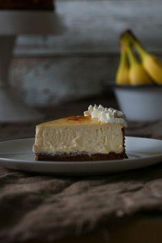 Bananen Cheesecake with Peanut Crust (http://www.ichmachsmireinfach.de/bananen-cheesecake-mit-erdnuss-knusperboden/I