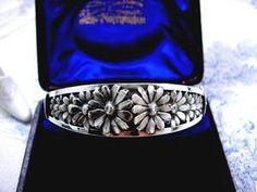Antique Art, Antique Jewelry, Vintage Jewelry, Daisy Flowers, Daisies, Daisy Chain, Nose Stud, Art Deco Era, Jewelry Designer