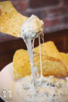 Slow cooker spinach artichoke dip