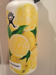 lemons, lemons, and more lemons! made me happy painting this !  #hydroflask