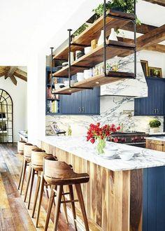 Stunning Farmhouse White Kitchen Cabinet Makeover Ideas – White N Black Kitchen Cabinets Kitchen Cabinet Interior, Grey Kitchen Cabinets, Home Decor Kitchen, New Kitchen, Home Kitchens, Kitchen Ideas, White Cabinets, Kitchen Wood, Kitchen Shelves