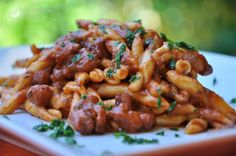Pasta with Octopus and Tomato Sauce. Pasta al sugo di polpo. Fish Recipes, Gourmet Recipes, Pasta Recipes, Real Food Recipes, Cooking Recipes, Italian Main Courses, Mediterranean Dishes, Italian Pasta, Pizza