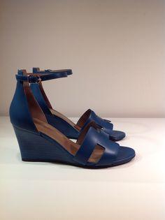 Hermes Legend Sandals Hermes Shoes, Hermes Birkin, Blue Shoes, Shoe Game, Me Too Shoes, Boho Chic, Shoe Boots, Footwear, Pumps