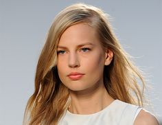 Use Dry Shampoo To Build Texture Kerastase's Odile Gilbert spritzed