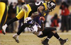 Ryan Clark on Willis McGahee. Steelers Pics, Here We Go Steelers, Pittsburgh Steelers Football, Football Hits, Football Is Life, Steeler Nation, Ny Times, Champs, Basketball Court