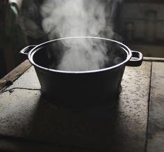 Hvordan skal man egentlig rengjøre og vedlikeholde jerngryter?