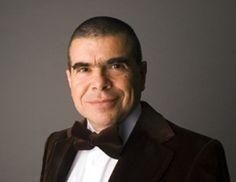 LIonel Party. Clavecinista de la Orquesta Sinfónica de Nueva York http://www.emoderna.cl/component/content/article/34-ex-alumnos-destacados/190-lionel-party