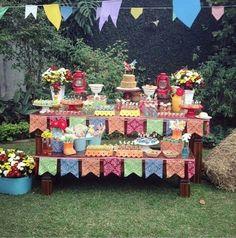 Mesa de festa ao ar livre