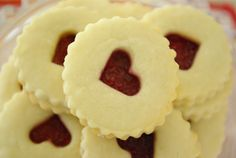Oleander and Palm: Vintage Valentine: Cake Pops and Linzer Cookies