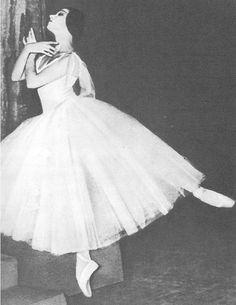 sovushka-en-pointe: Yvette Chauvire as Giselle, 1948