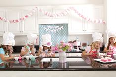 Baking party idea from Karas party ideas for verity's cupcake party Baking Birthday Parties, Baking Party, Birthday Party Themes, 8th Birthday, Birthday Ideas, Kid Parties, Cupcake Decorating Party, Cupcake Party, Cupcake Garland