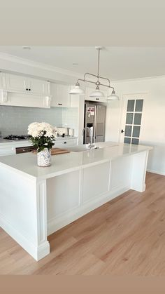 Beach House, Kitchen Island, Home Decor, Kitchen Ideas, Beach Homes, Island Kitchen, Decoration Home, Room Decor, Home Interior Design