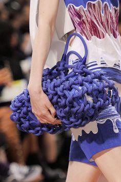 Kenzo at Paris Fashion Week Spring 2014 - Details Runway Photos Kenzo, Fashion Bags, Fashion Trends, Paris Fashion, Bcbg, Crochet Handbags, Best Bags, Knitted Bags, Photos Du