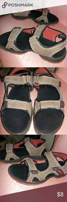e22b329dacdb Shop Men s Ozark Trail Brown size 9 Sandals   Flip-Flops at a discounted  price at Poshmark. Great for beach