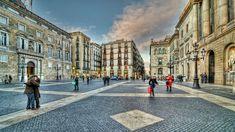 Plaça de Sant Jaume, Barcelona. #barcelona #bcn #square #travel #tourism #photo #photography #people