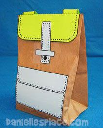 This craft is from a long time ago, but I just thought it would be so great for young ones to be able to have their very own backpack for Pretend School! Such an easy kids craft or toddler c… Easy Crafts For Kids, Toddler Crafts, Preschool Crafts, Preschool Spanish, Backpack Craft, Backpack Bags, How To Make A Paper Bag, Paper Bag Crafts, Back To School Crafts
