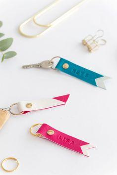 DIY Schlüsselanhänger mit Namen   aus FIMO Leather-Effect   mein feenstaub