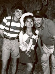 "Bob Denver, left, shown posing with fellow cast members of ""Gilligan's Island,"" Dawn Wells and Alan Hale Jr."