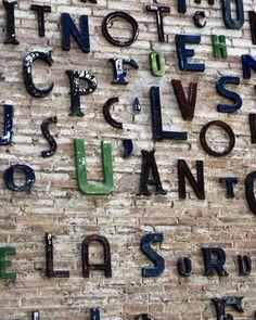 #terracotta #museudeterrissaiceramicaindustrial #labisbaldemporda  Museu Terracotta museu de terrissa i ceràmica industrial de la Bisbal d'Empordà  Joan #Brossa i #RafaelMaso junts ... #Poeta i #Arquitecte ... #museum #clay #industrial #ceramics  #art #artchitecture #art_chitecture #art_chitecture_  #architexture #reflexes #reflection #reflections #urban #streetphotography #rsa_architecture #rsa #perspective #perspectiva #details #detail #colours #message #missatge by defebe