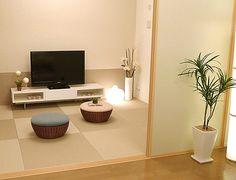 J212和室でテレビごろんと横になりながらテレビが見られる。 座った高さを意識した和空間。