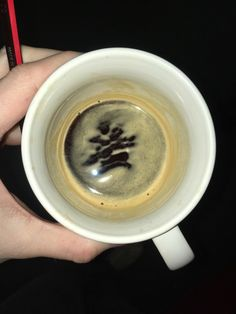 RT @EleenDeprez: Advanced latte art: #Michelangelo #Pietà https://t.co/w7FRX5dJkQ