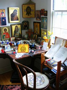 living room corner (al and julia's house) Religious Images, Religious Icons, Religious Art, Art Corner, Room Corner, Orthodox Prayers, Catholic Altar, Prayer Corner, Home Altar
